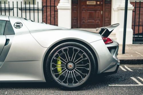 Porsche1 (1)